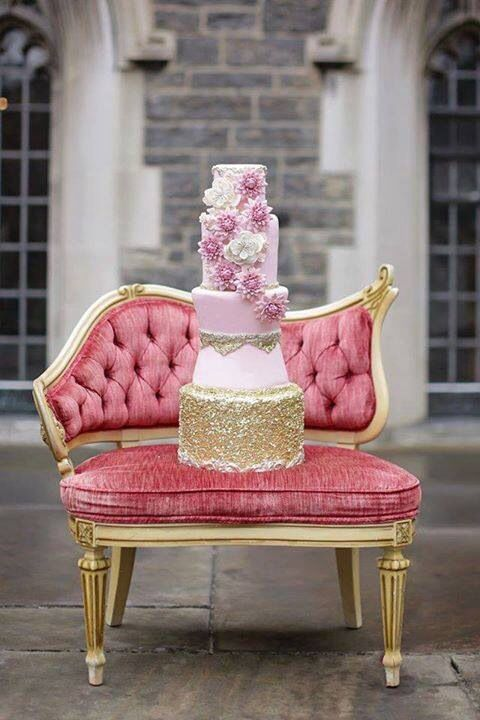 Pink & gold tear cake on a throne