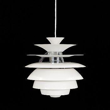 "TAKLAMPA,""PH Snowball"", Poul Henningsen, Louis Poulsen, Danmark. Höjd 40 cm."