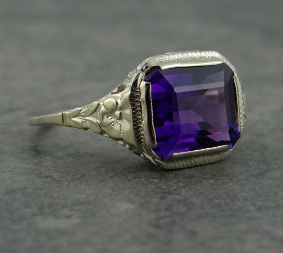 Art Nouveau Floral Green White Gold Filigree and Amethyst Ring
