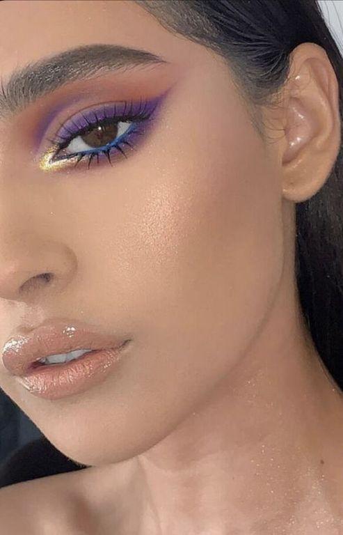 Eye-liner coloré : comment porter la tendance make