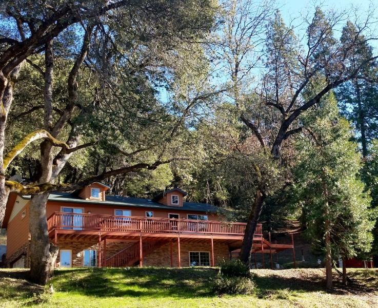 Yosemite Haus Where The Stay Alone Is A Vacation Tripadvisor Oakhurst Vacation Rental Vacation Yosemite Vacation Cabin Vacation