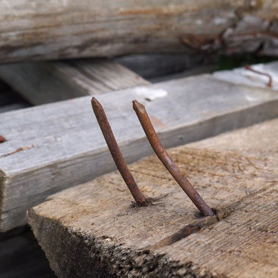 How To Remove A Nail That S Troublesome Diy Rusty Nail Mother Earth News How To Remove