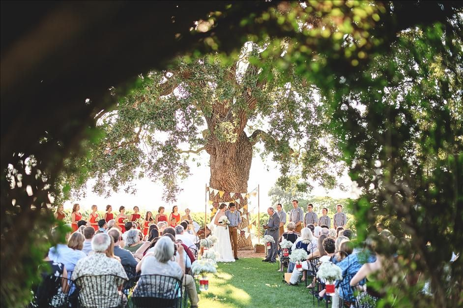 10 Vital Tips for Creatively Photographing a Wedding Ceremony // The Reason Photography