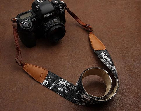 Material: denim, ultra-soft fabric, the first layer of leather Strap width: 39 mm Strap Thickness: 2 .5 mm Total length: 164cm  It's adjustable and suitable for all brands, all models of cameras. Each one is accompanied by a metal ring strap and leather protection pad that lets you use the ...
