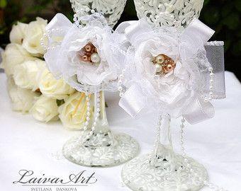 Beach Wedding Champagne Flutes Wedding Champagne Glasses Wedding Toasting Flutes  Beautiful pair of two beach wedding champagne flutes are hand painted