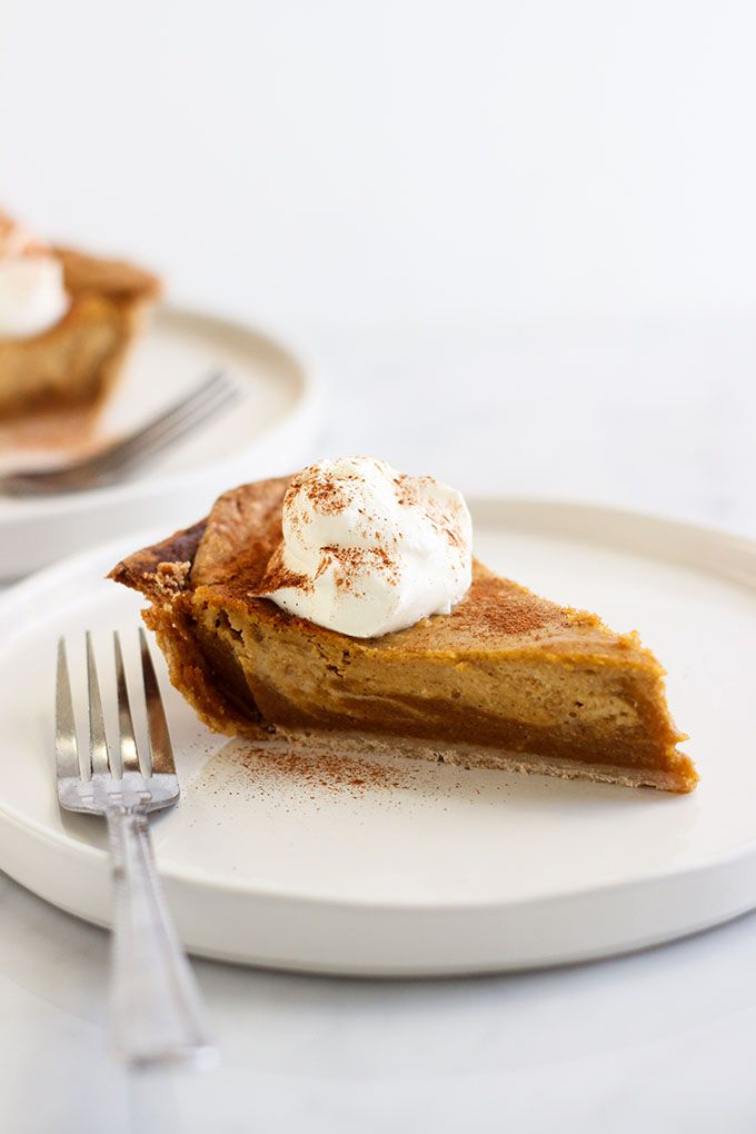Wow Your Friends And Family With This Pretty Vegan Pumpkin Pie With Cashew Cream Swirls It S A Great New Twist On Vegan Pumpkin Pie Vegan Pumpkin Pumpkin Pie