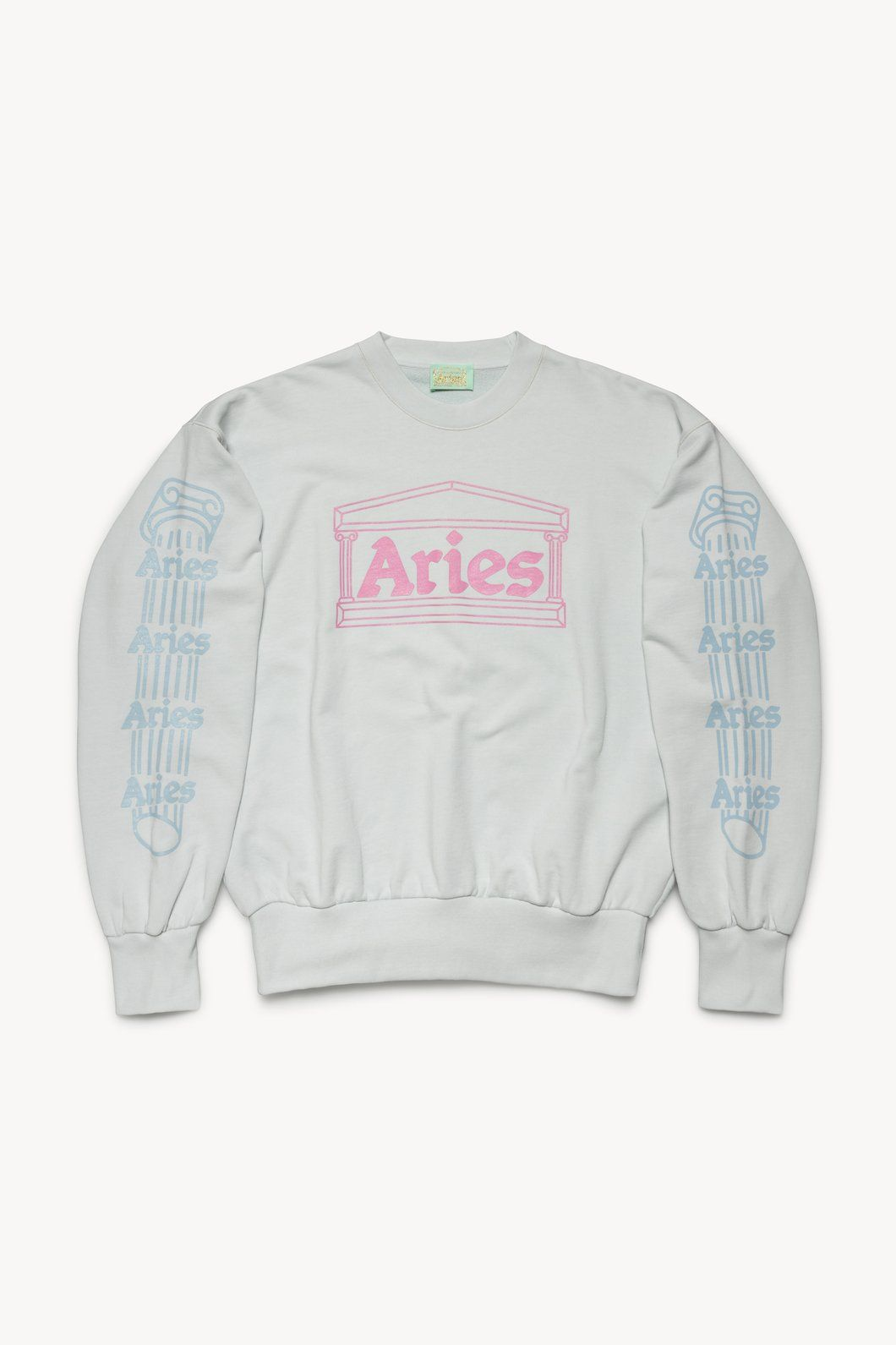 Pin By A K On Fall Winter Style Sweatshirts Sweatshirts Sale Hoodies For Sale [ 1591 x 1060 Pixel ]