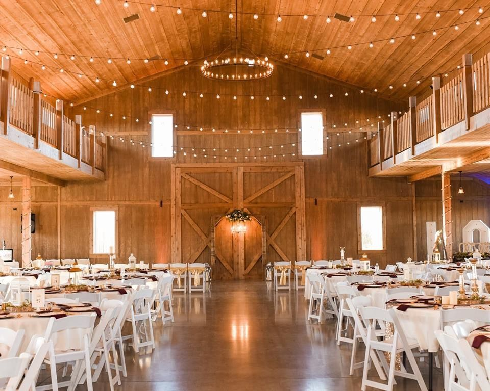 Www Stonehillbarn Com Stone Hill Barn And Cottage Augusta Ks Barnweddings Bestdayever Kansas Barn Wedding Cottage Best Day Ever