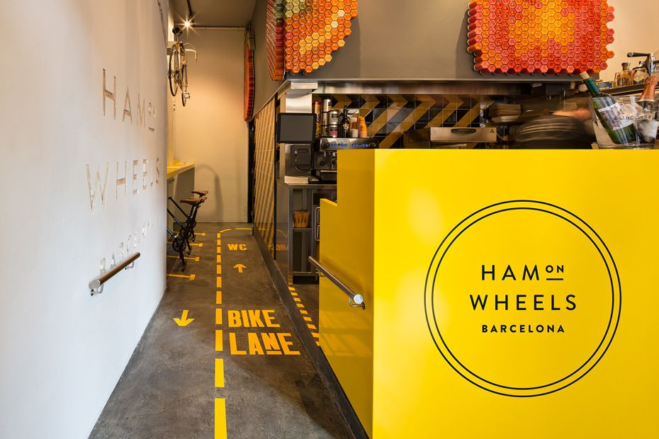 Visual identity and interior for Ham on Wheels designed by Forma & Co.