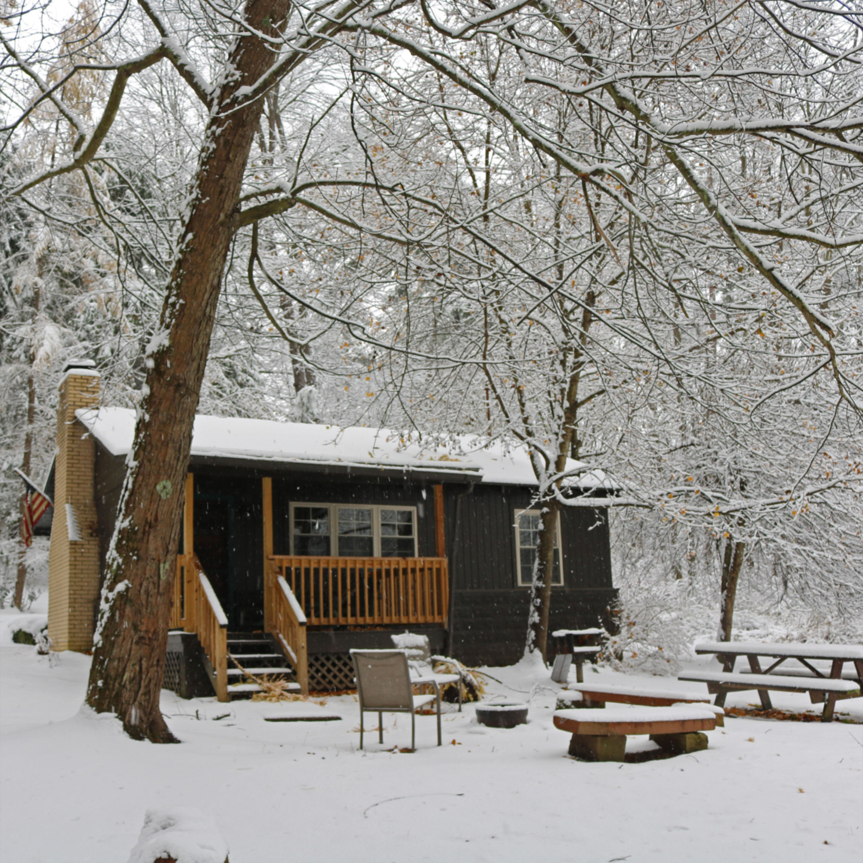 Winter Cabin Getaway In 2020 Cabin Vacation Home Vacation Home Rentals