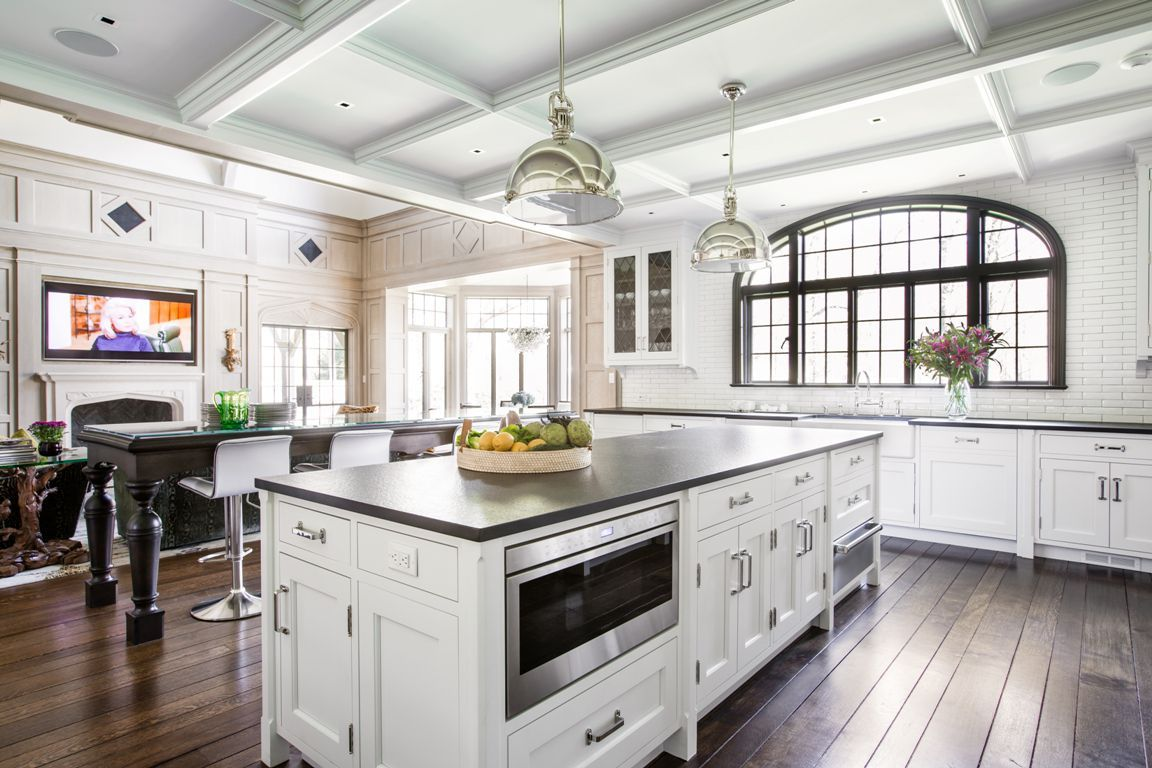 50 White Kitchen Cabinets To Brighten Up Your Cooking