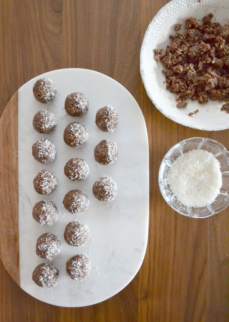 Cacao, Date and Coconut Energy Bites - AKA, the 'Faux Truffle' // Blanche & Thirteenth