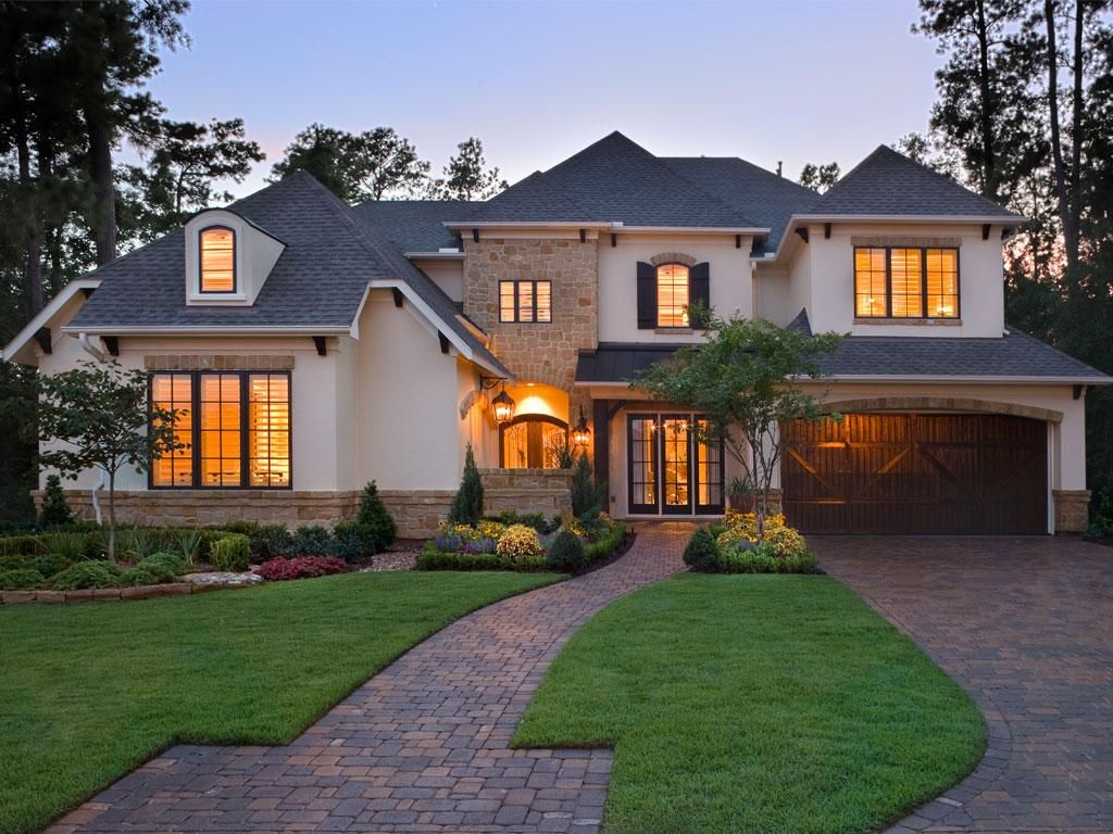 Cobblestone driveway and path beautiful luxury for Beautiful rich houses