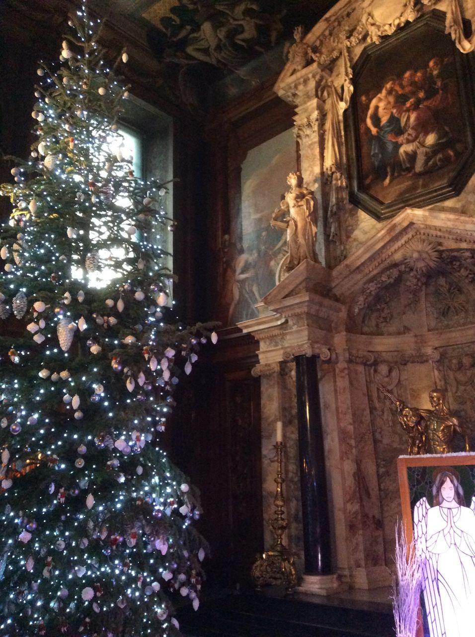 """Chatsworth House History: Chatsworth House At Christmas """""""