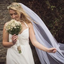 This is a wedding to inspire those of you who ache to make and do everything for your wedding!