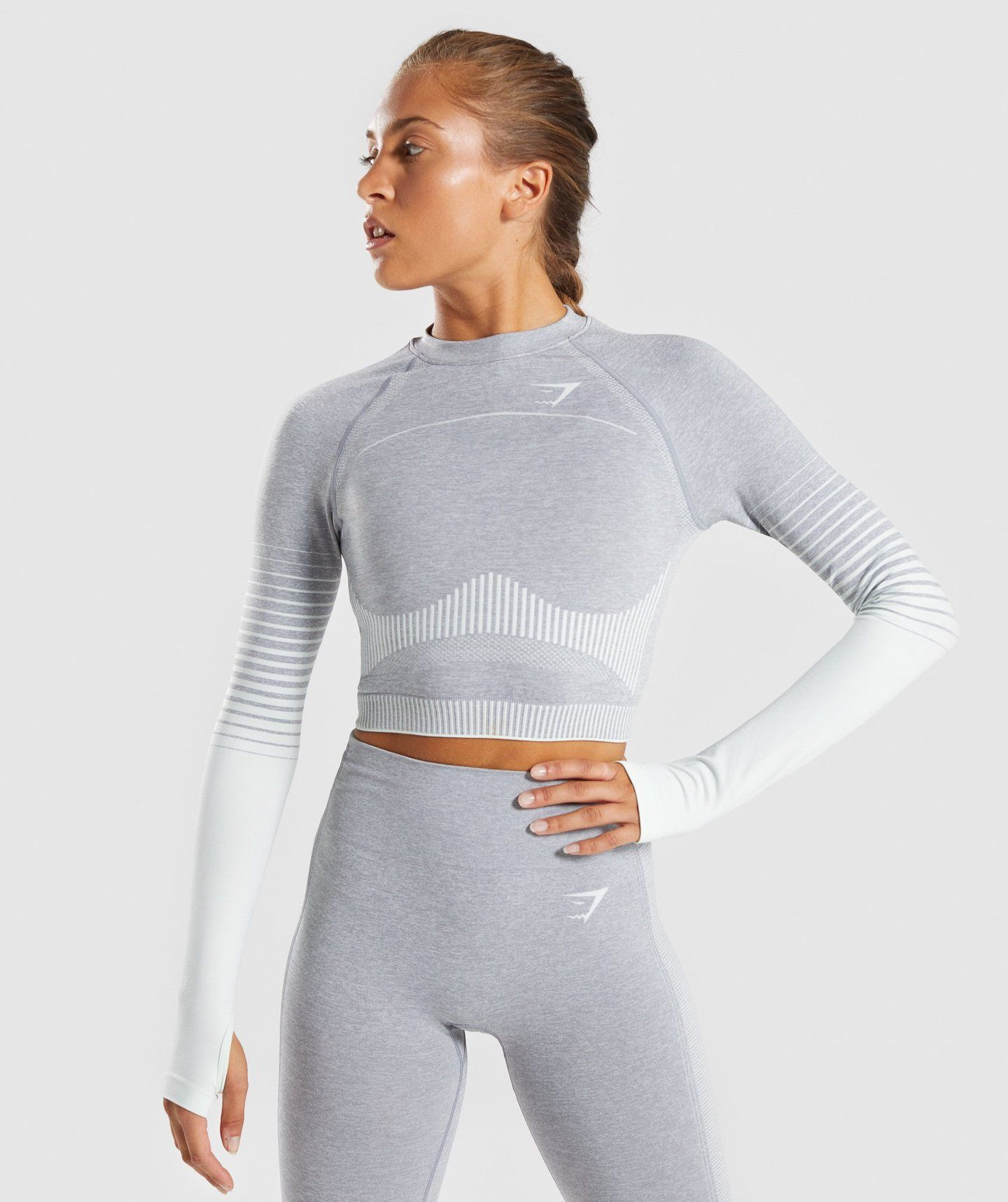762fc0ddef0796 Gymshark Amplify Seamless Long Sleeve Crop Top - Light Grey Marl/Sea Green 4