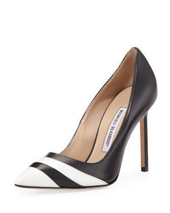 Manolo Blahnik Bi-Color Pointed-Toe Pumps pictures cheap online free shipping shopping online cheap price wholesale discount with credit card purchase cheap online vtOcUQsU