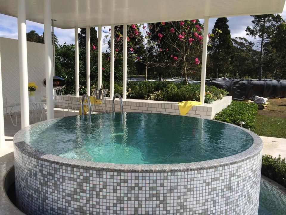 20 stock tank pools to be an oasis on your backyard