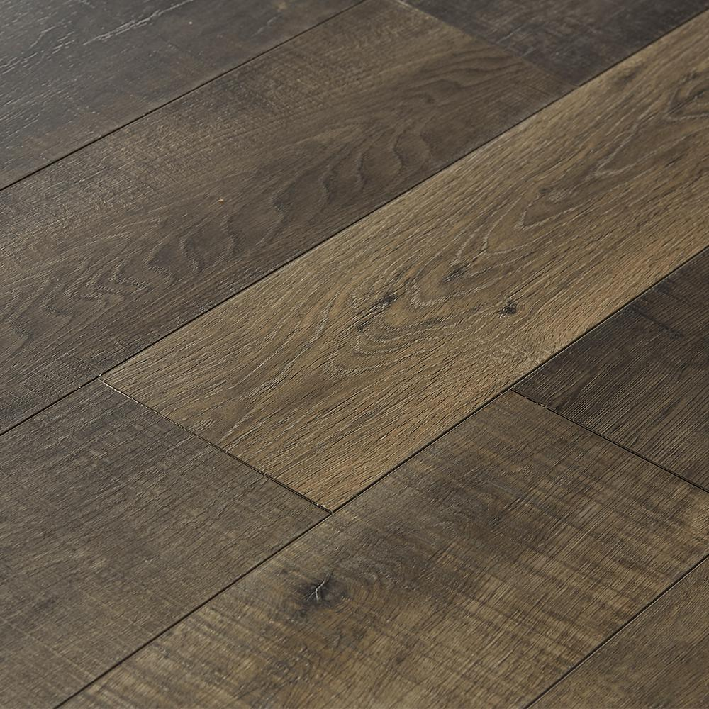 Eir Sky Gray Oak 12 Mm Thick X 4 92 In Wide X 47 80 In Length Laminate Flooring 16 33 Sq Ft Case Oak Laminate Flooring Laminate Flooring Oak Laminate