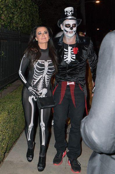 The Best Celeb Halloween Costumes Celebrity Halloween Costumes Cool Halloween Costumes Halloween Costumes