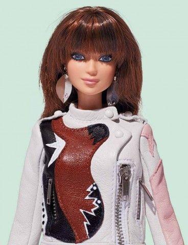 Milano Fashion Week. Barbie vestita da dieci stilisti