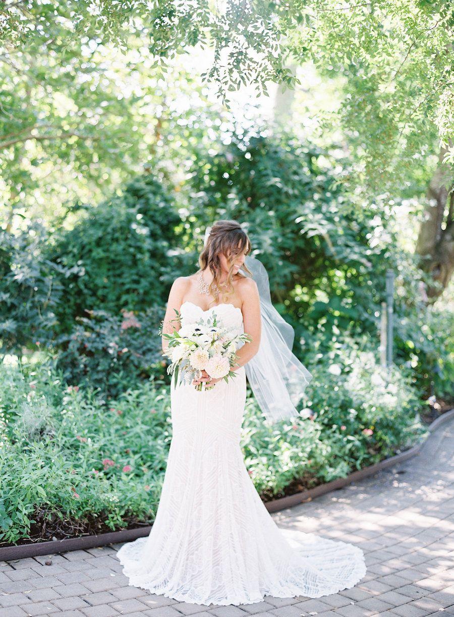Chic romancefilled outdoor wedding at healdsburg country gardens