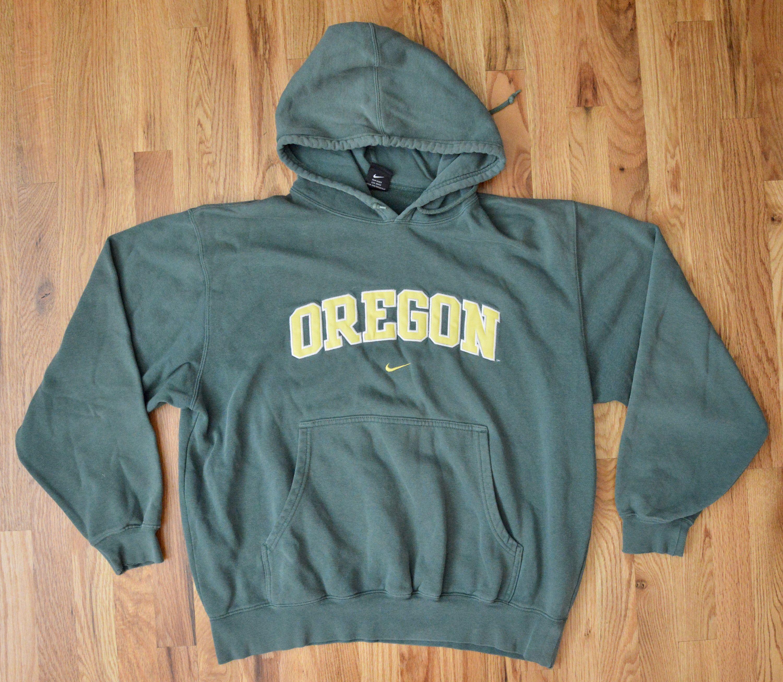 1990s Nike Throwback Oregon Ducks Hoodie Embroidered Font Very Vintage Crewneck Sweatshirt Unisex Large By Theosvinta Sweatshirts Oregon Ducks Hoodie Hoodies