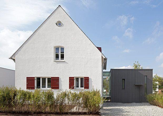Helle Fassade Rote Fensterladen Kolorat Haus Fassade