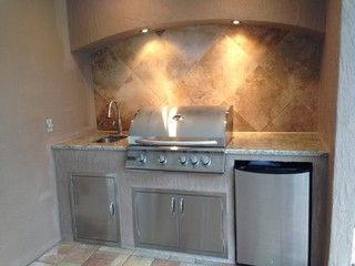 Outdoor Kitchen Arched Soffit Arch Accent Lighting Summerset Grill Under Mount Sink Santa Cecilia Granite Undercounter Outdoor Kitchen Kitchen New Homes