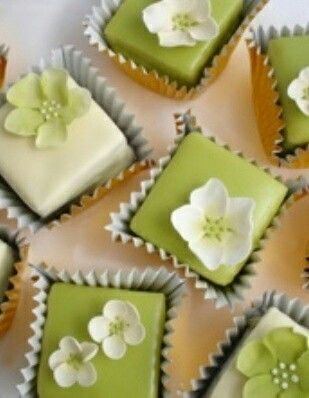 Pear Green Petits Fours (picture only)
