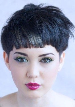 50 Super Cute Looks with Short Hairstyles for Round Faces in 2019