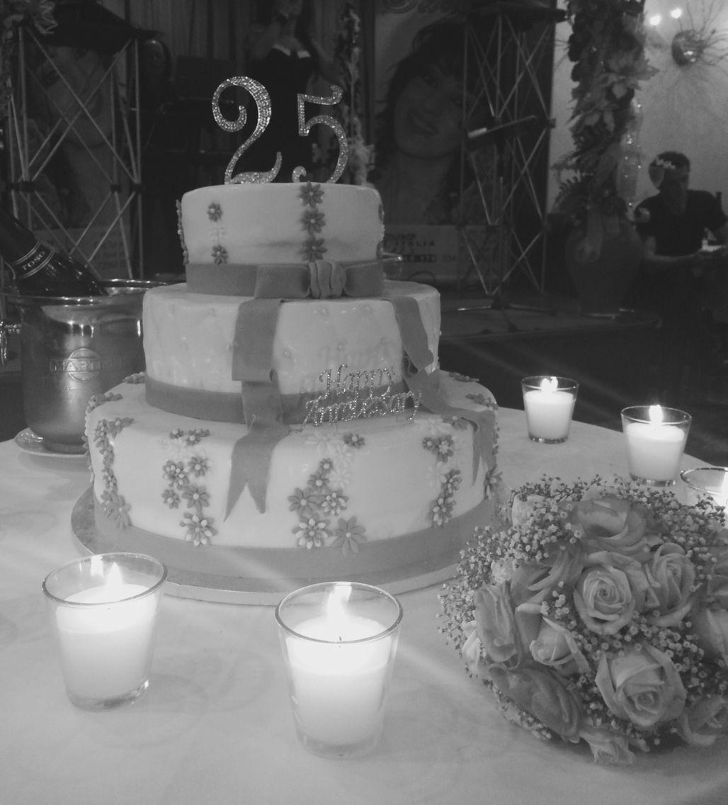 Anniversario Matrimonio Venticinquesimo.Torta Venticinquesimo Anniversario Di Matrimonio Anniversario