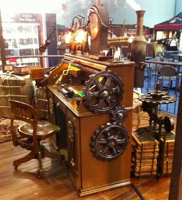 Steampunk desk with steampunk cigars 6 ideas for my for Steampunk living room ideas