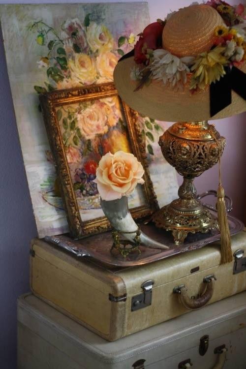 French vignette | Shabby chic, Vintage decor, Vintage ...