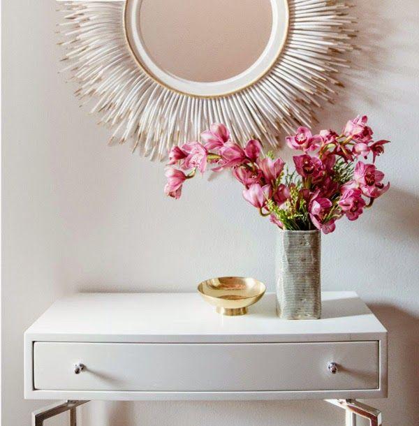 Entrada con consola blanca y espejo sol blanco mucho for Espejos para consolas
