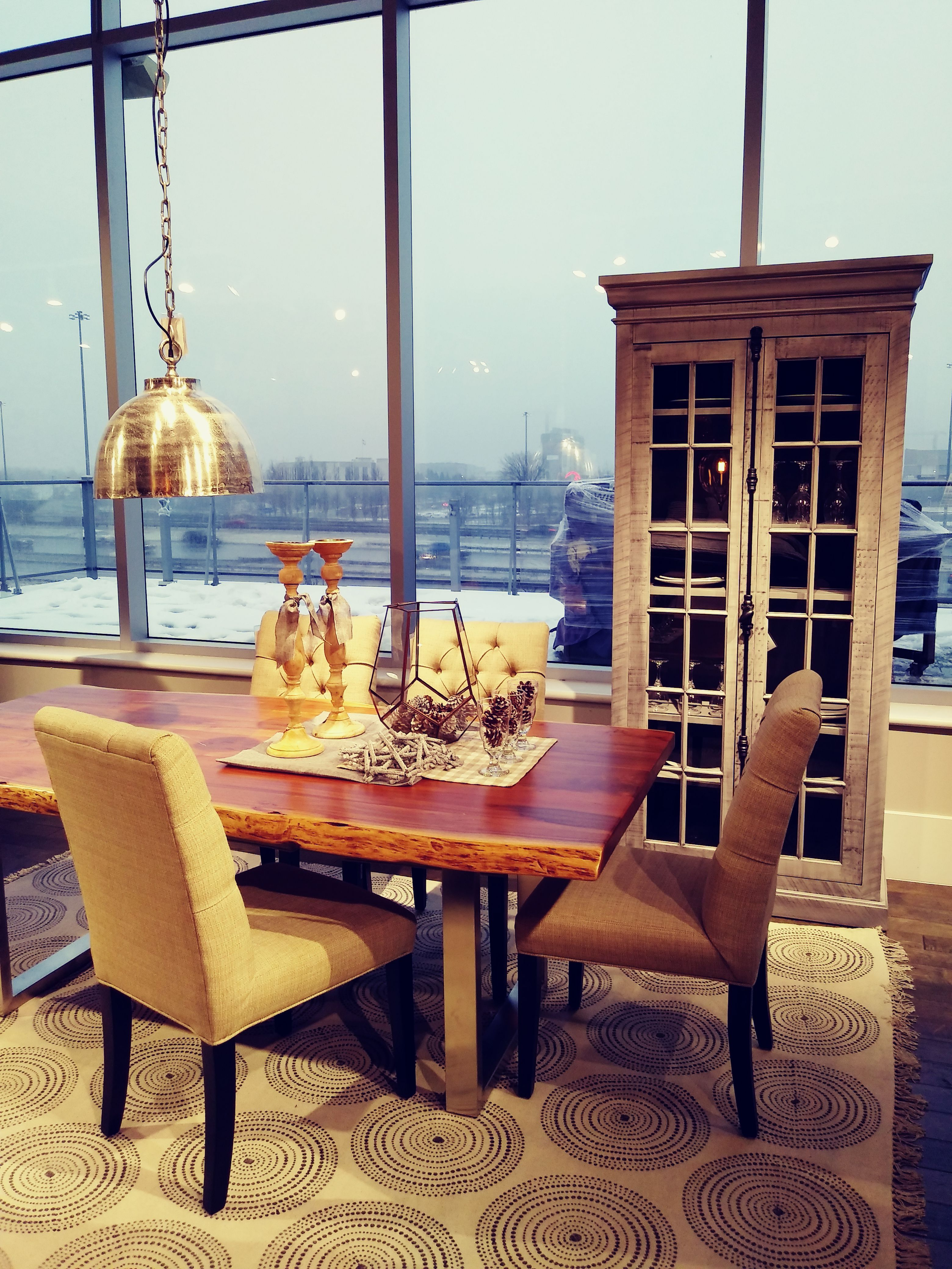 Mobilier De Salle A Manger En Bois Et Pattes En Metal Home Decor Home Furniture