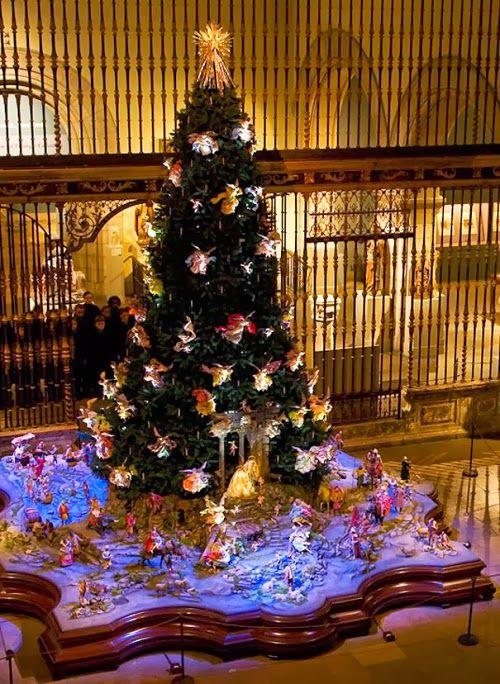 Christmas Tree The Metropolitan Museum Of Art Decoracion Navidad Navidad Feliz Navidad