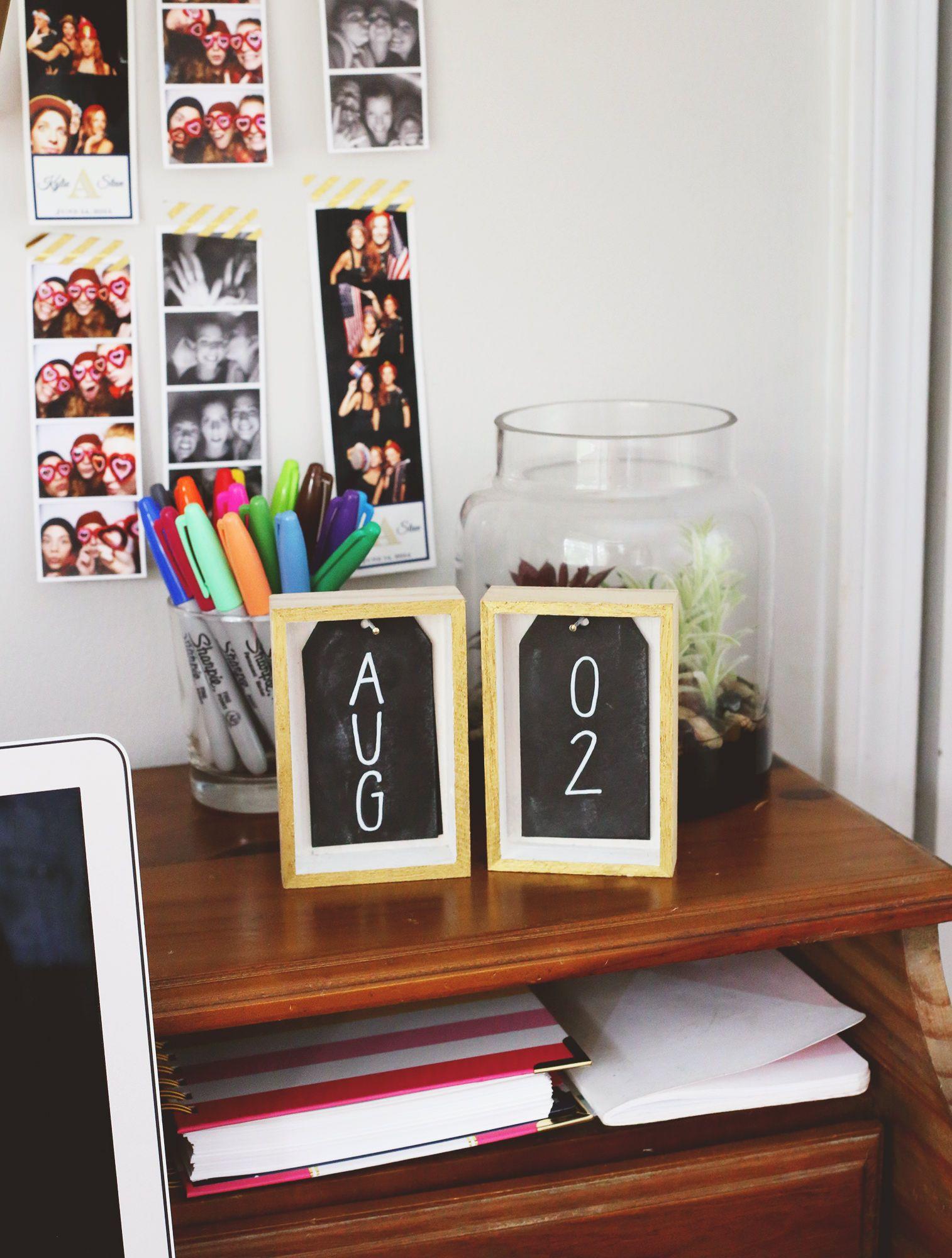 Chalkboard Diy Desk Calendar Diy Decor Pinterest Desk