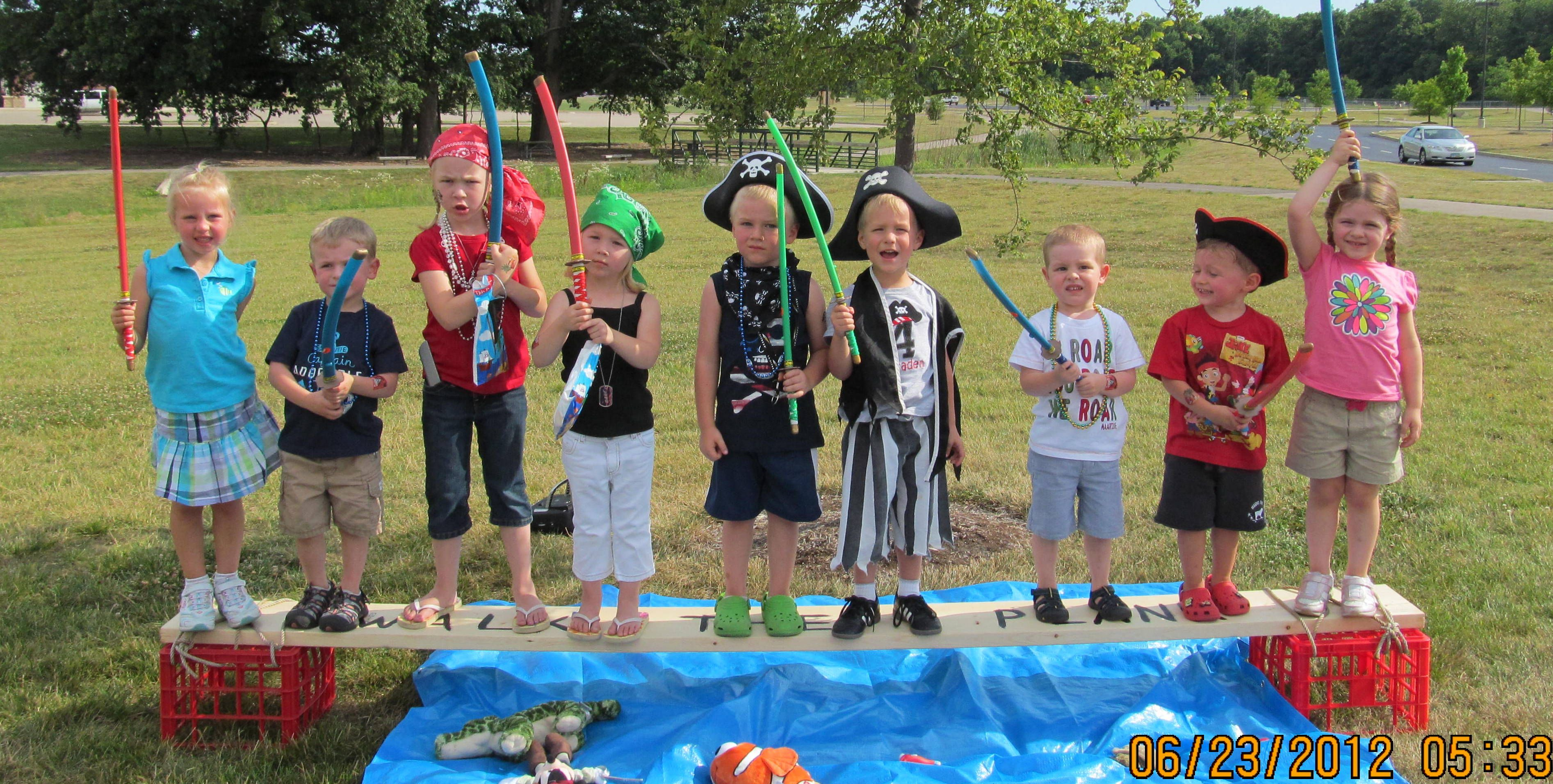 Pirate Birthday Party  http://doudican.blogspot.com/2012/07/back-to-pirate-party.html