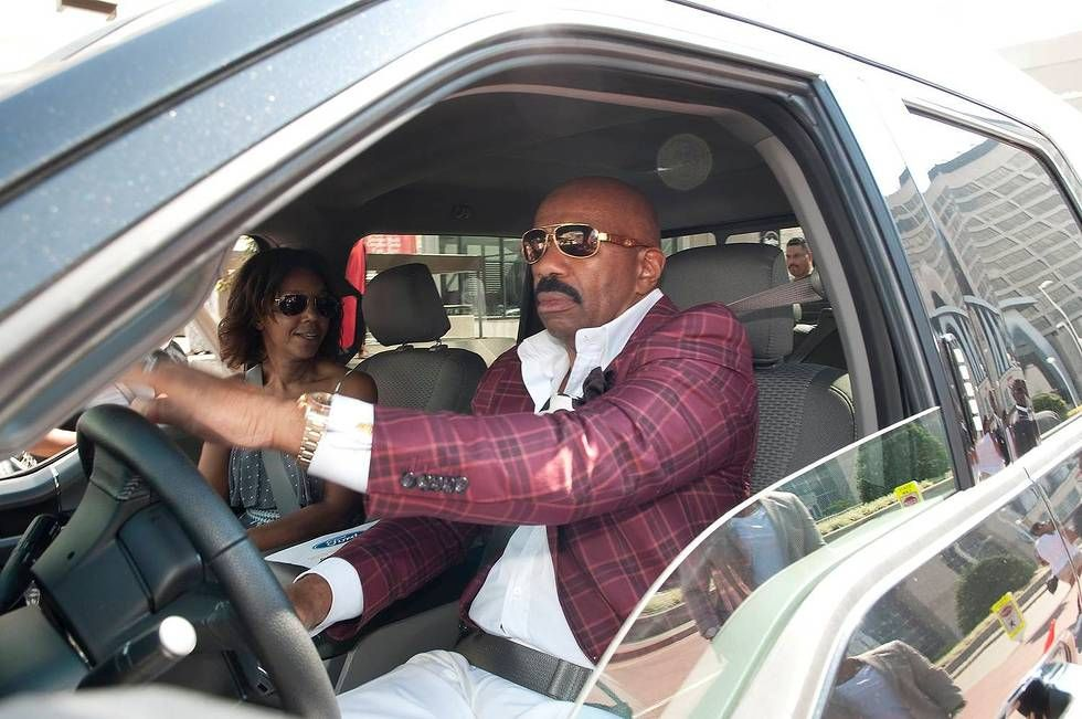 What kind of car does steve harvey have