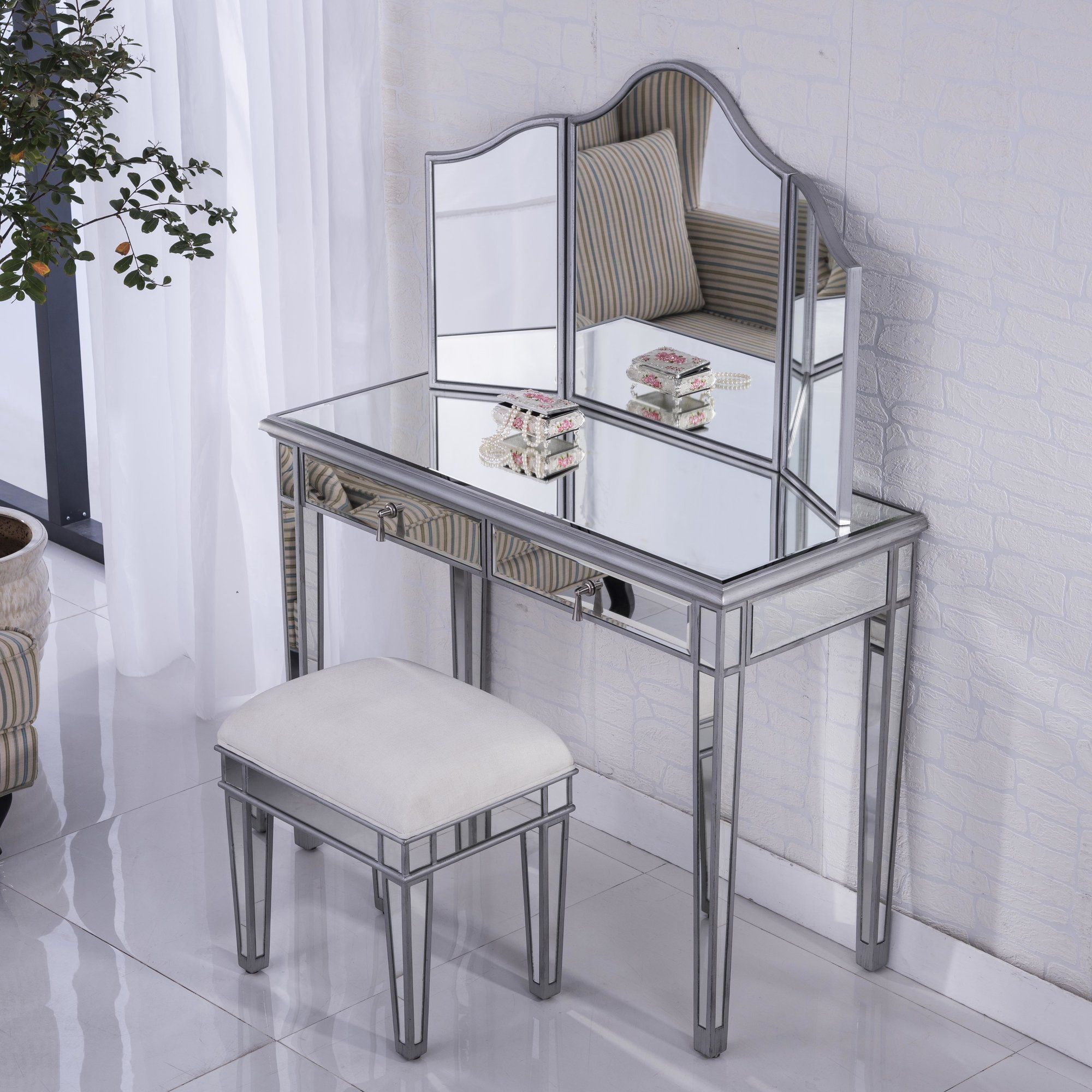 Candace Vanity Mirrored bedroom furniture, Mirrored
