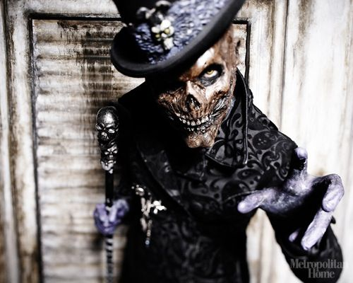 House of Torment (Austin). I like it! Maybe instead of Slender Man, do a Baron Samedi, lurking off towards the dead tree...if time, both!