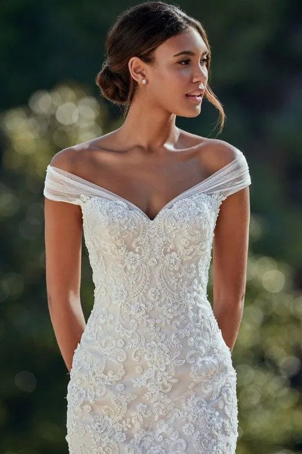 handmade cunstom dresses One word flat shoulder high sense hand embroidery pure white long wedding dress