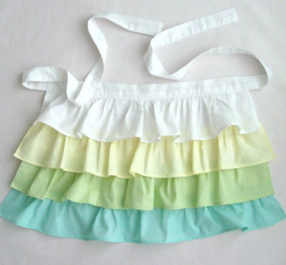 Ruffle Apron WOMEN by 2021leslie on Etsy