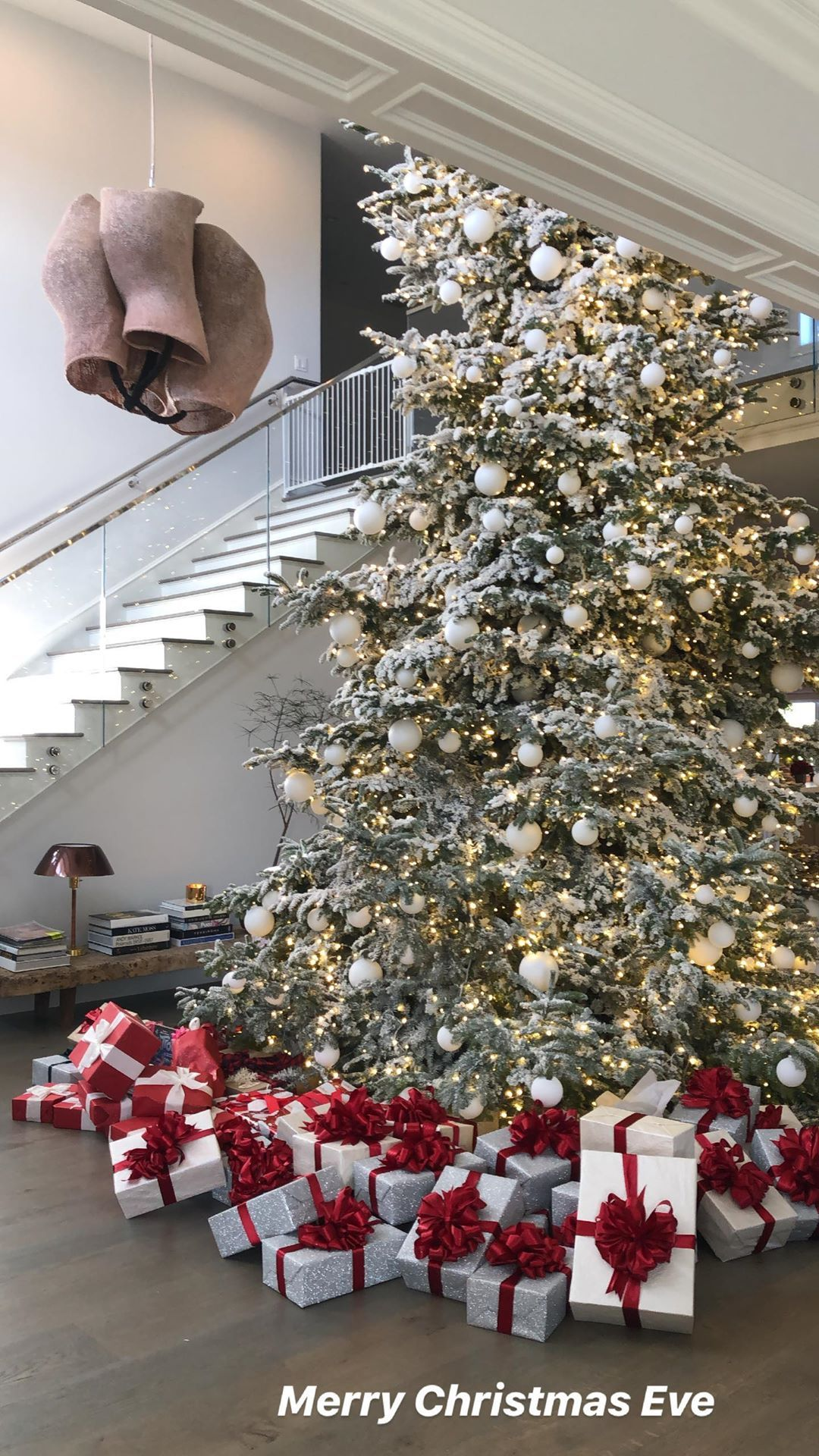 Kylie Jenner's Christmas Tree ! in 2020 | Christmas luxury