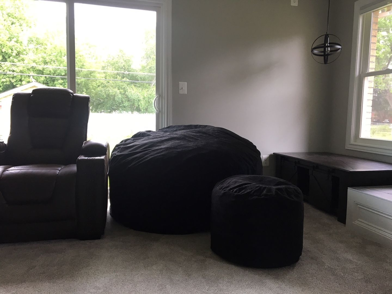 white bean bag chair for dorm