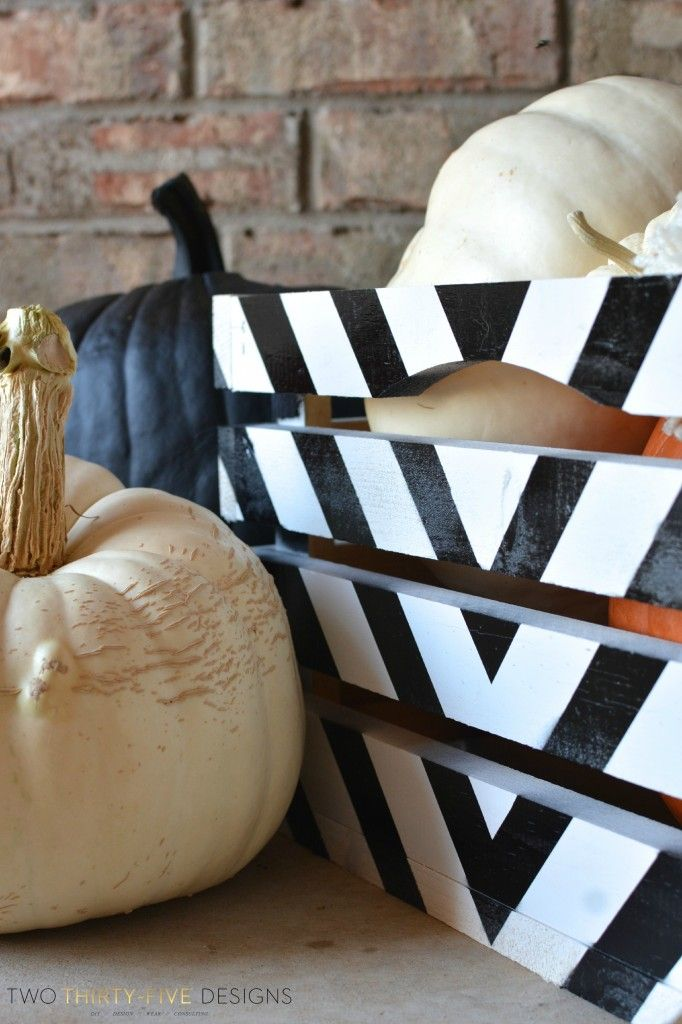 Black and White Painted Crate Tutorial is part of Sorority canvas, Sorority decorations, Fall decor diy, Crates, Wooden crate shelves, Sorority crafts - Black and White Painted Crate Tutorial
