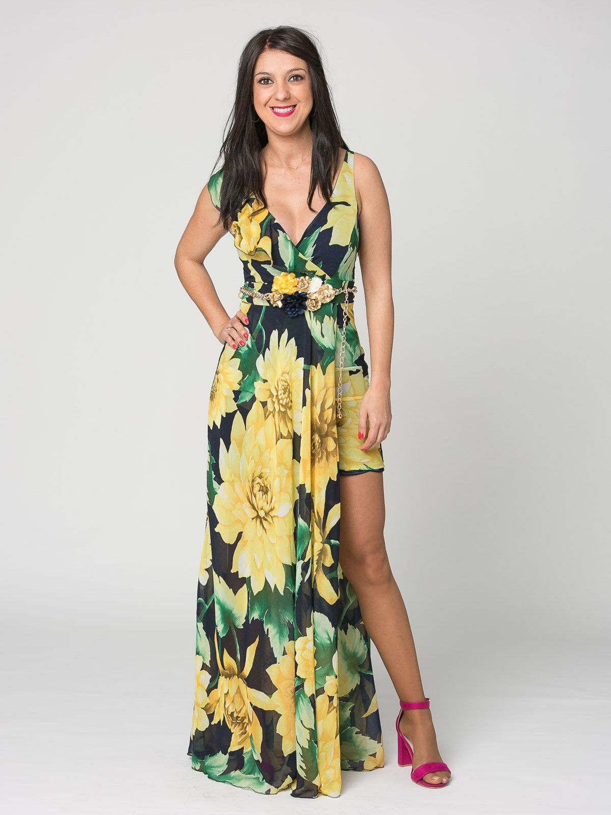 Vestido Maracaibo - Vestido largo en color azul marino con estampado de  grandes flores en amarillo e310006d9dd5