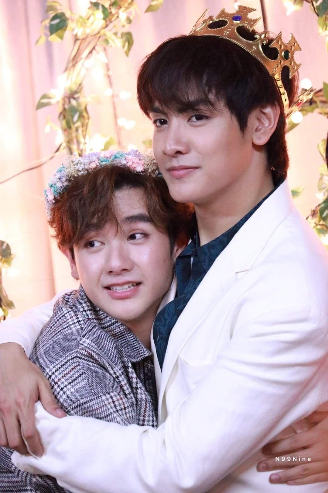 Thai boyfriend gay Urassaya Sperbund
