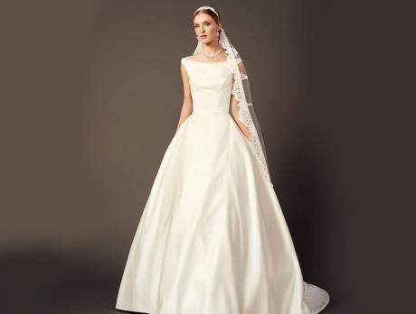 purewhitelilly  weiße brautkleider und hochzeitskleider  brautkleid hochzeitskleid braut